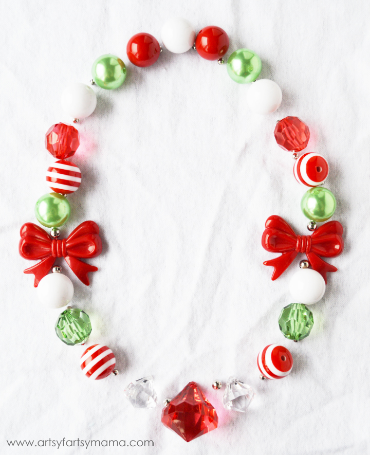 Holly Jolly Christmas Necklace Kit at artsyfartsymama.com