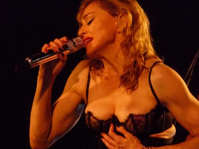 Ρώσος πολιτικός για την Madonna: `Όταν μια π**τανα μεγαλώνει, προσπαθεί να διδάξει ηθική