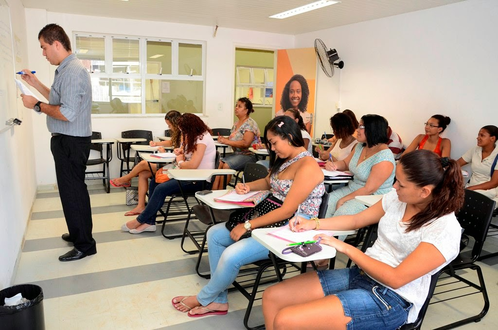 Casa do Trabalhador de Manguinhos RJ inicia curso para empreendedores