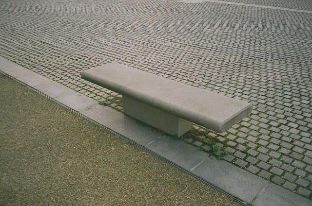London bench Chelsea School of Art Millbank