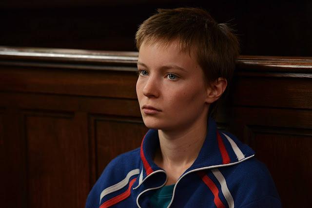 Diane Rouxel (Tess) dans La Tête haute