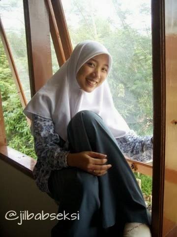 Anak SMA jilbab seksi