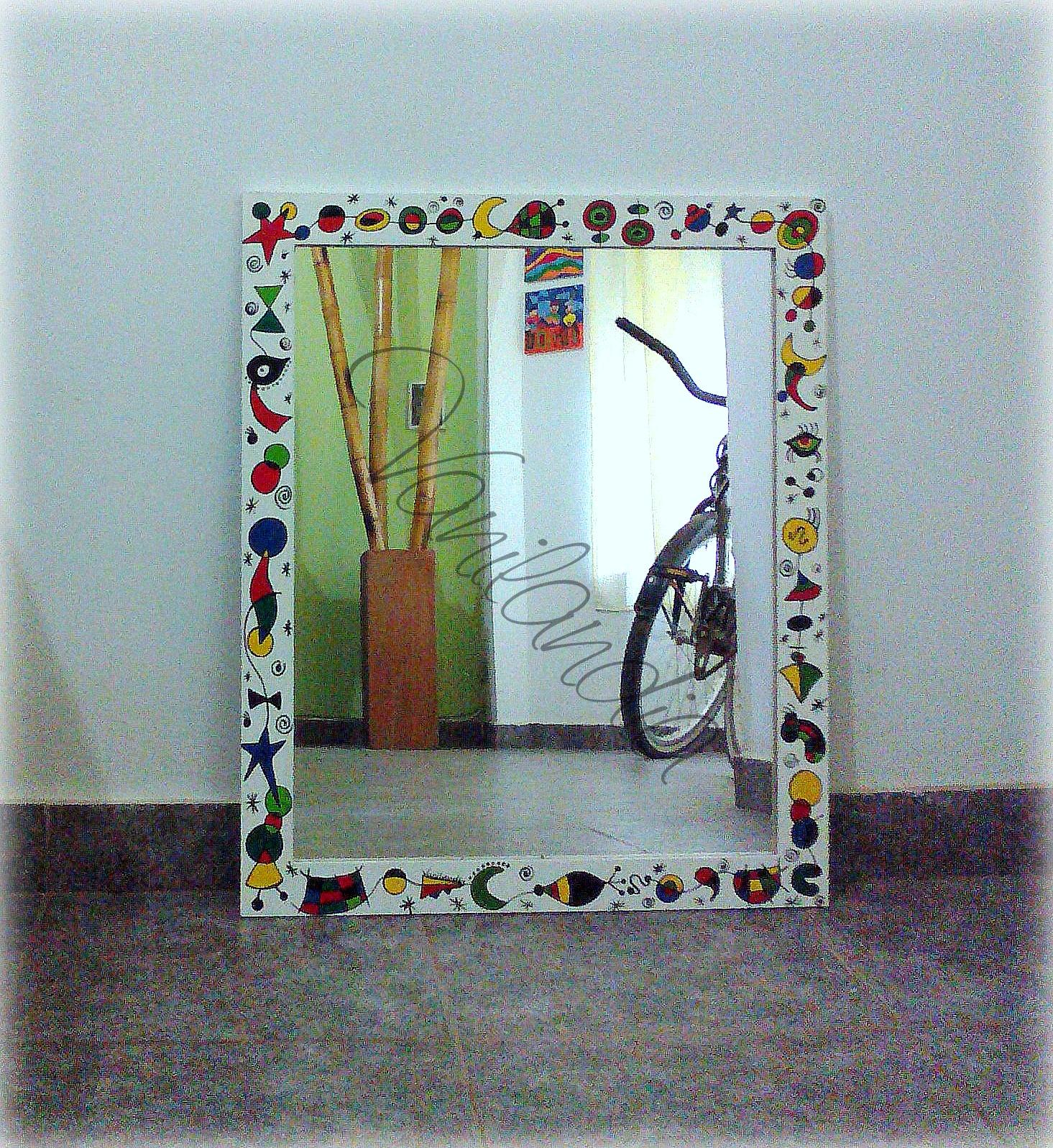 Vanilandia cuadros y marcos de madera pintados for Pintar marco espejo