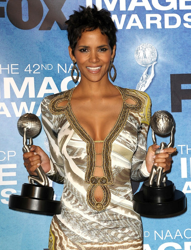 Halle-Berry-42nd-NAACP-Image-Awards-HD-walls