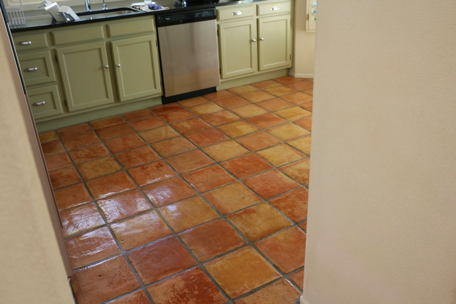Kitchens With Terracotta Floors Dusty Coyote Stripping And Sealing A Saltillo Tile Floor