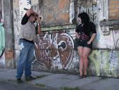 Por trás da câmera do meu book no Porto de Pelotas.