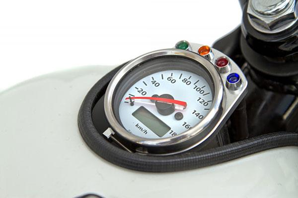 Kawasaki W650 speedometer