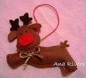 http://unpoquitodetodo-artisa.blogspot.com.es/2011/11/patron-reno-fieltro.html