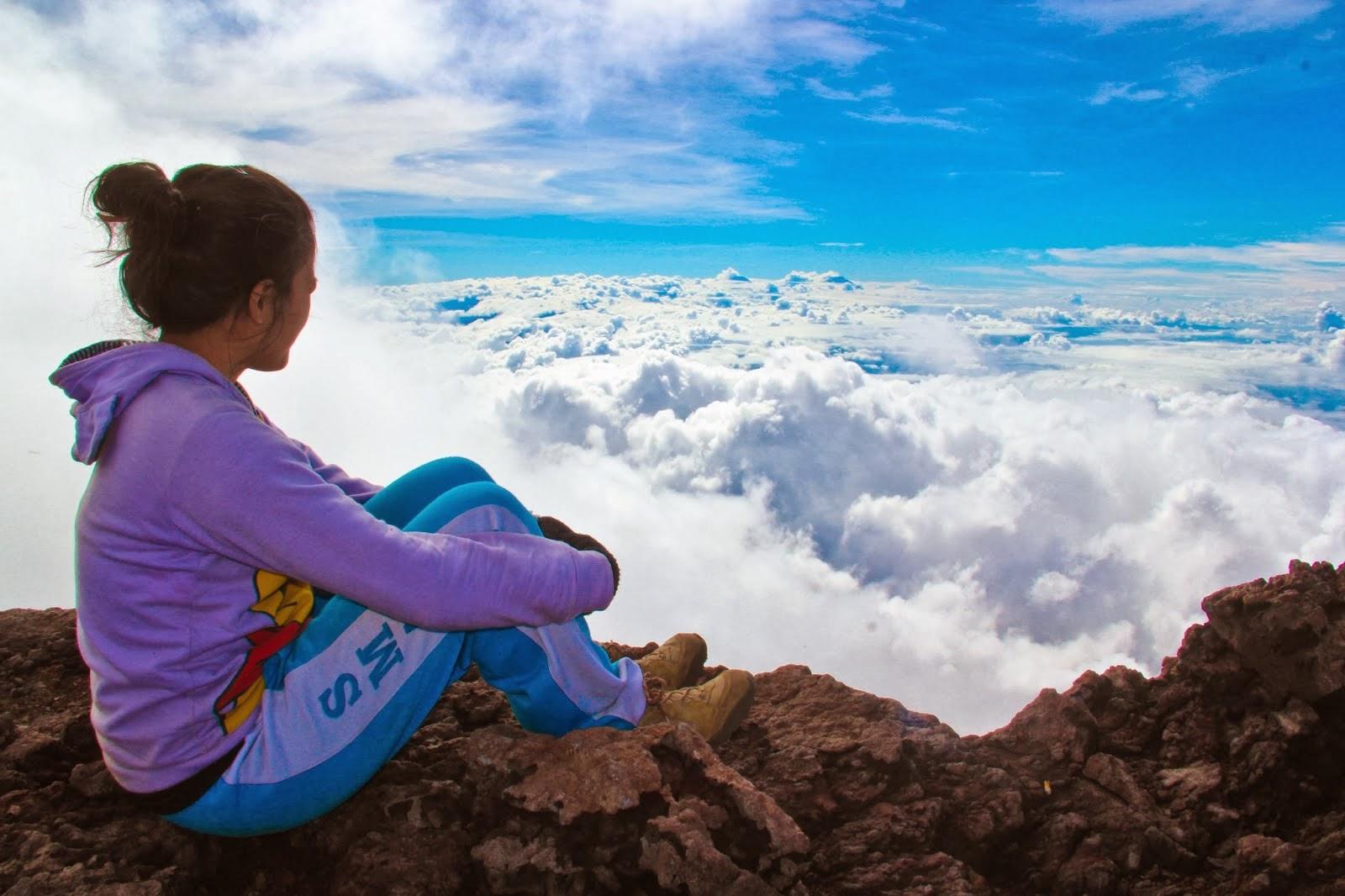 Pemandangan dari Puncak Gunung Slamet
