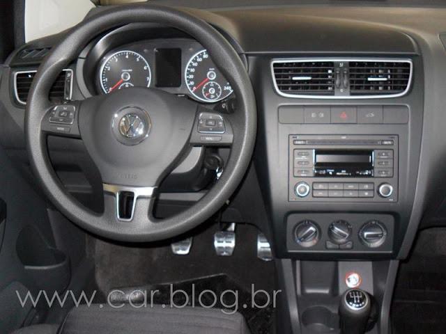 VW CrossFox 2012 - interior - painel