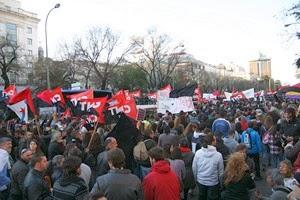 """22M: Cientos de personas se concentran en los Juzgados de Plaza,Los antidisturbios se manifiestan por la """"mala gestión"""" del 22M, 22M: Decenas de detenidos y heridos en los incidentes después, La Policía carga contra la retaguardia de una manifestación,Marchas de la Dignidad del 22M: Decenas de miles de personas, Los disturbios tras el 22M, en imágene,Prensa Latina   22M, los cortes de tráfico y operativo de seguridad"""