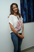 Lakshmi Manchu Latest Stylish Photos-thumbnail-20