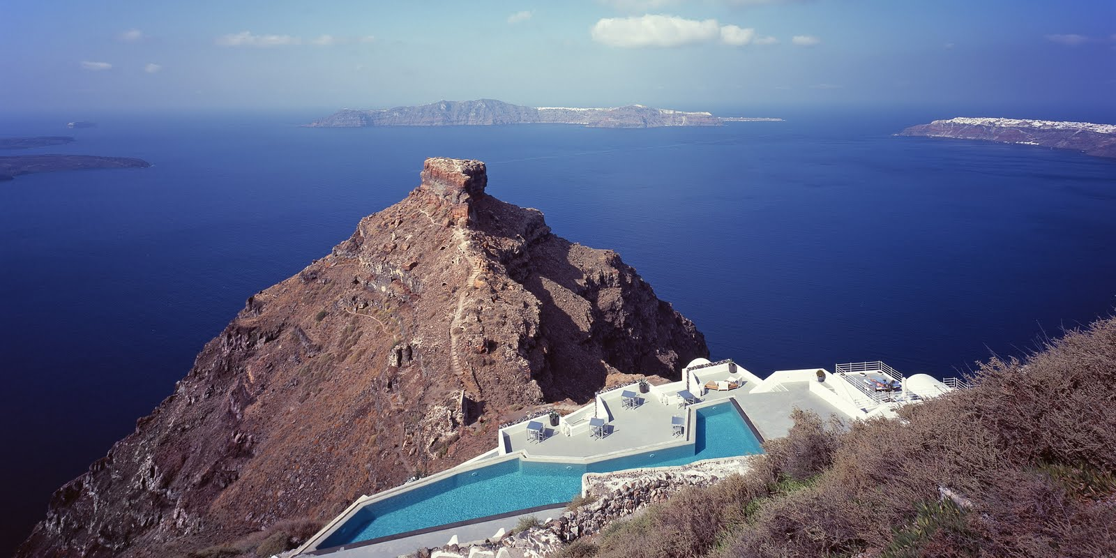 Hairstyle magic world most luxurious and expensive hotel for Grace hotel santorin