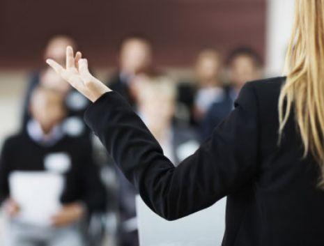 Tips Memperbaiki Kualitas Dan Gaya Bicara Saat Presentasi [ www.BlogApaAja.com ]