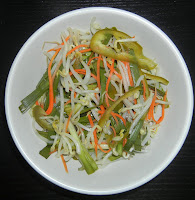 Dua Gia – Pickled Chive and Bean Sprouts