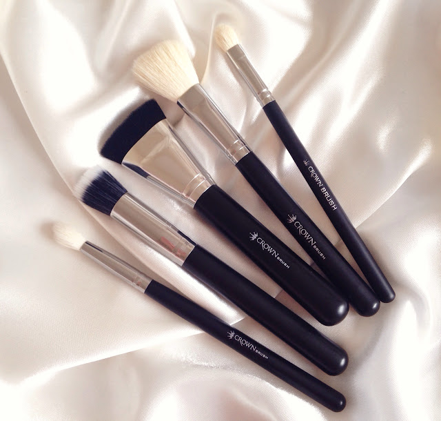 Blending fluff eyeshadow brush, duo fibre face, pro contour, angled blush
