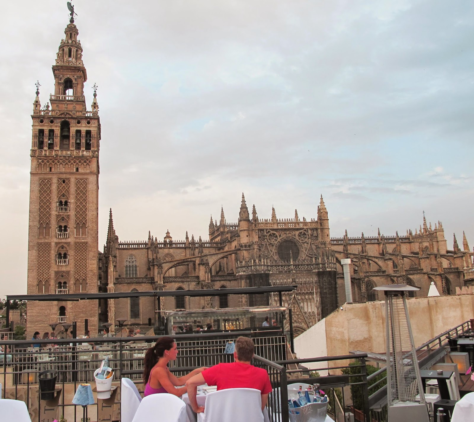 Restaurante panor mico la terraza de eme experiencia gourmet en 360 eme catedral hotel - Terraza hotel eme ...