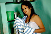 Kerala Beautiful House Wife Bathing