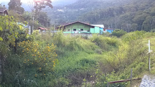 Área ainda abandonada do Rio Príncipe (entrada da Est. Clube do Lago Posse Teresópolis RJ)