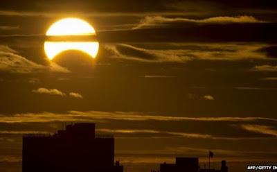 Hal Yang Wajib Kamu Ketahui Tentang Gerhana Matahari 2016