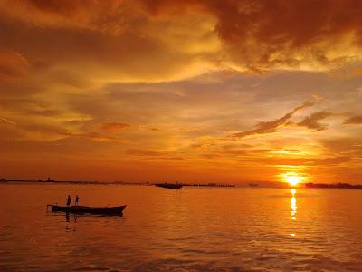 Sunset Dan Sunrise Di Pantai Losari