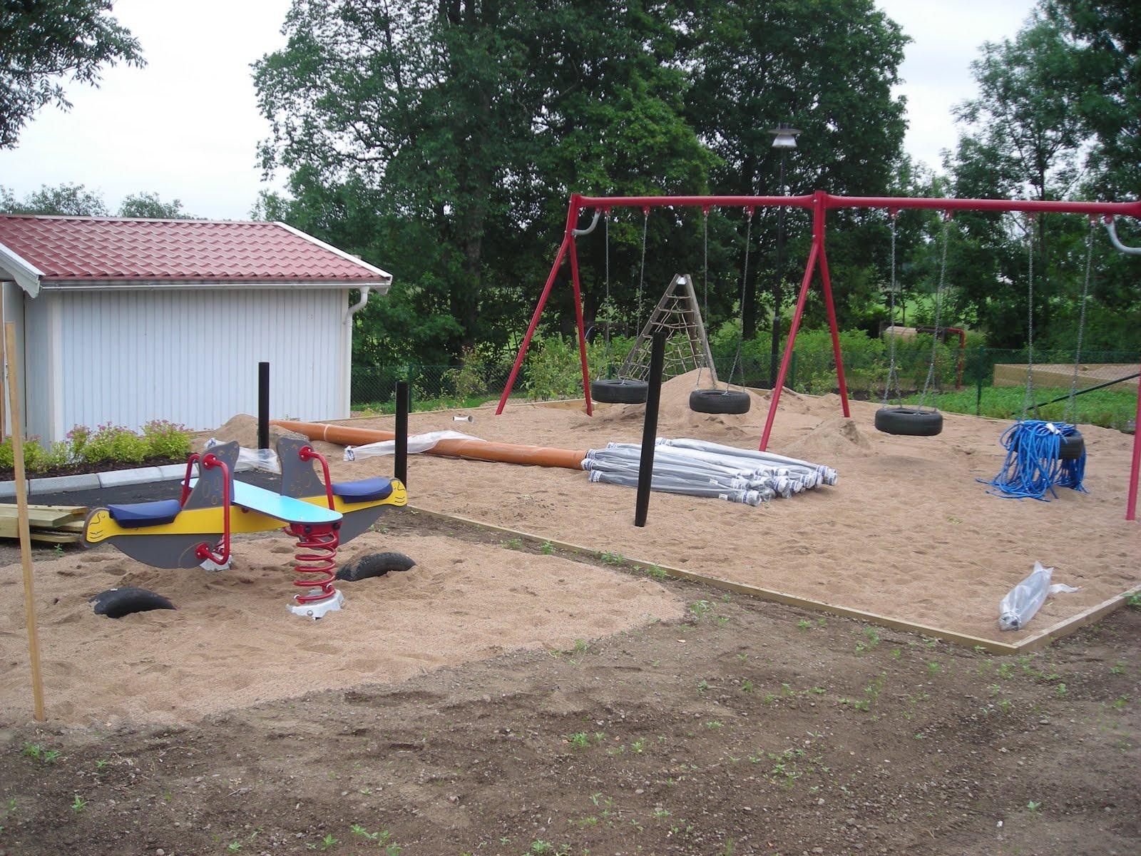 Förskoleliv: utegården tar form!