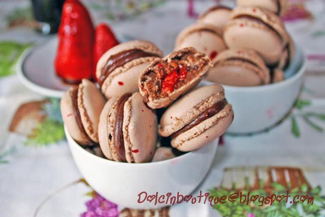 e se facessimo dei macarons?.......cioccolato fragole e aceto balsamico