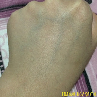 Nature Republic Real Nature Acai Berry Essence hand swatch