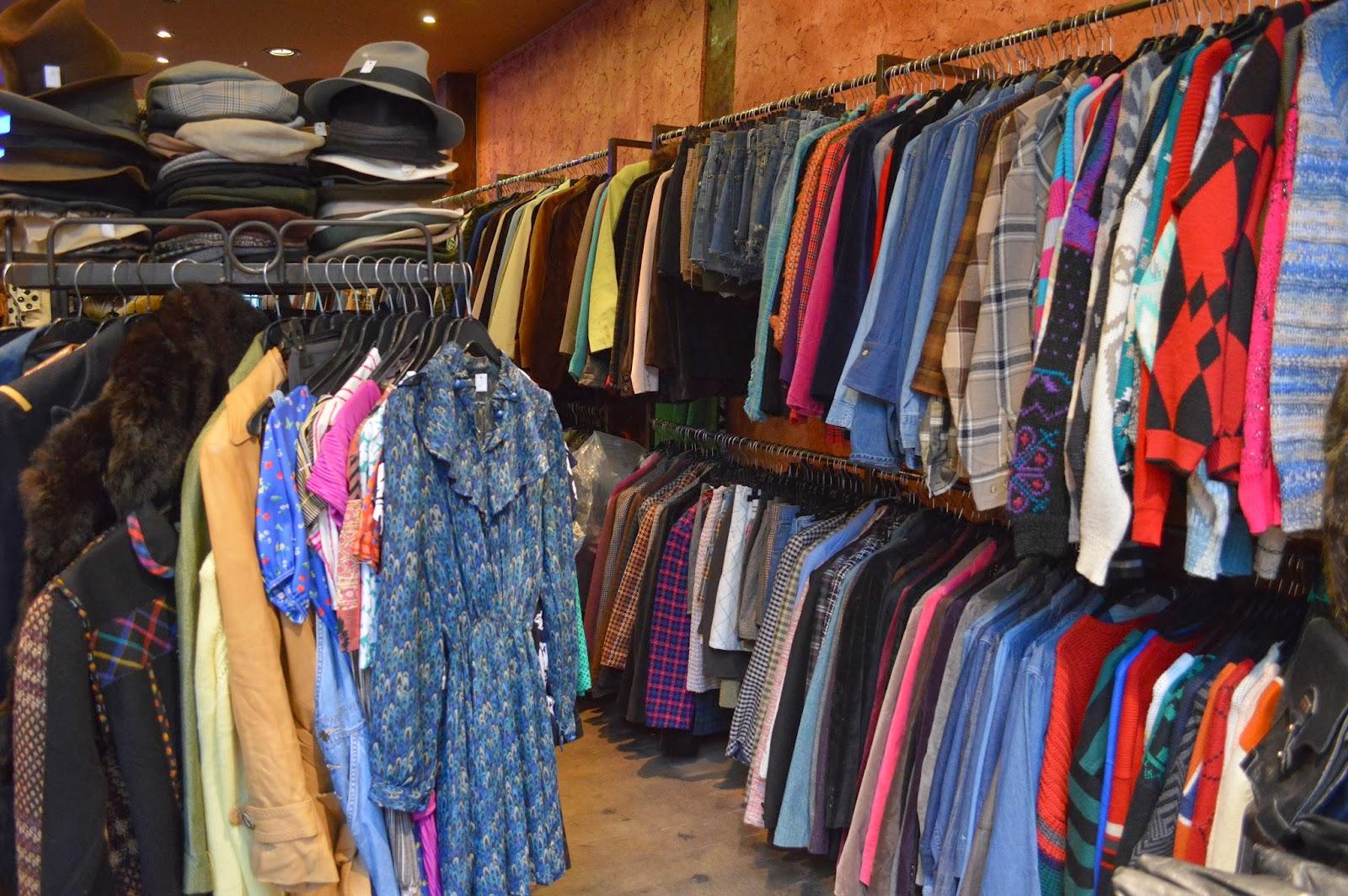 Coiffeur Vintage shopping in Le Marais Paris
