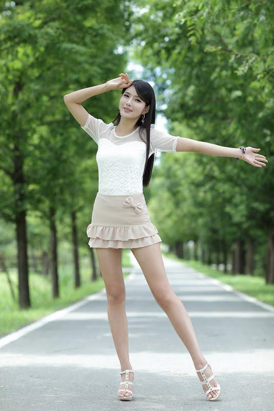 Lee Sung Hwa in Ruffle Mini Dress