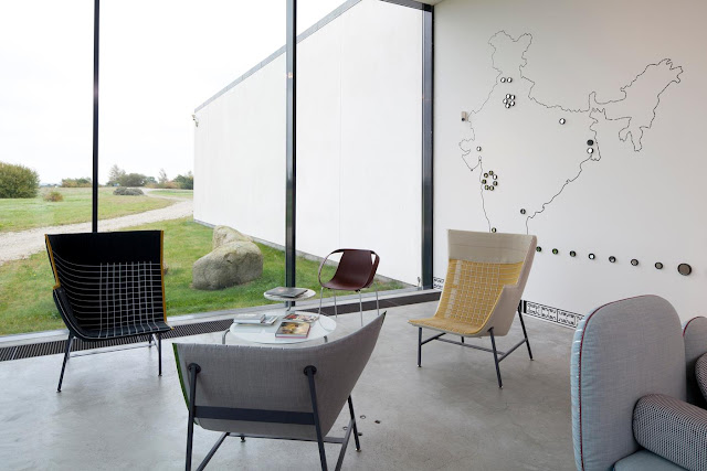 Doshi Levien Möbel von Moroso im Arken Museum
