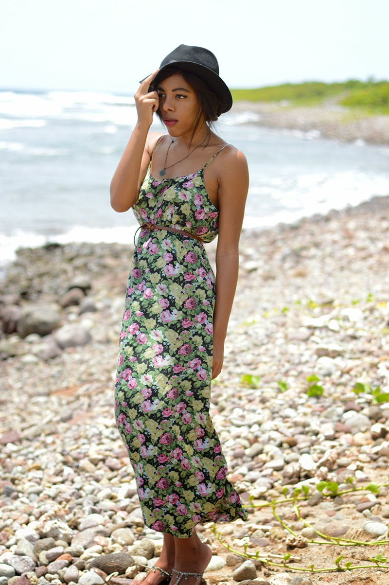 Miami Fashion Blogger Anais Alexandre from Down to Stars in a vintage green floral maxi dress with a target fedora and Old Navy gypsy sandals