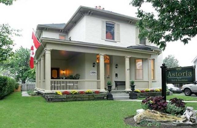 model teras depan dan belakang rumah minimalis