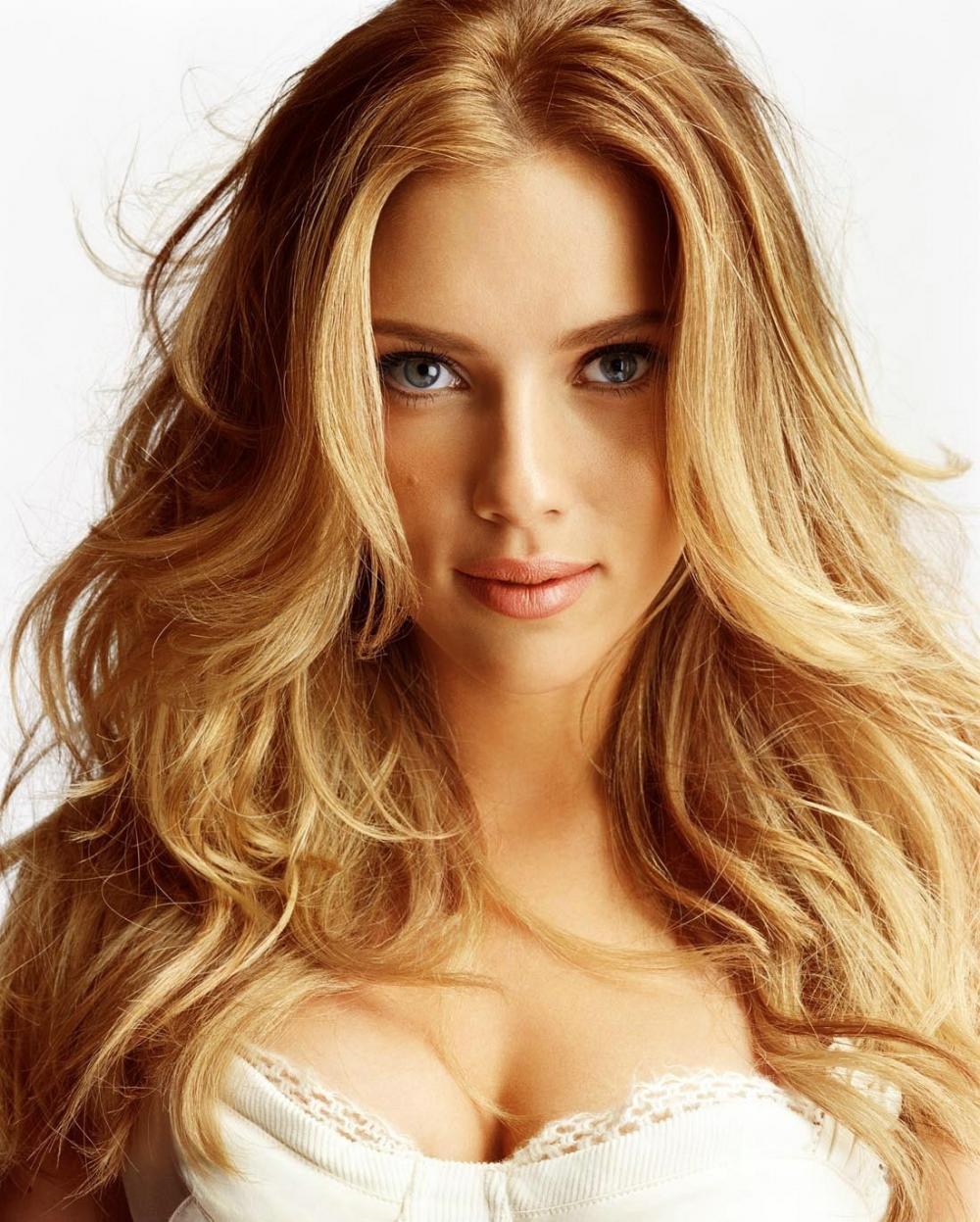 El medio para la demora del crecimiento de los cabello la corteza las revocaciones