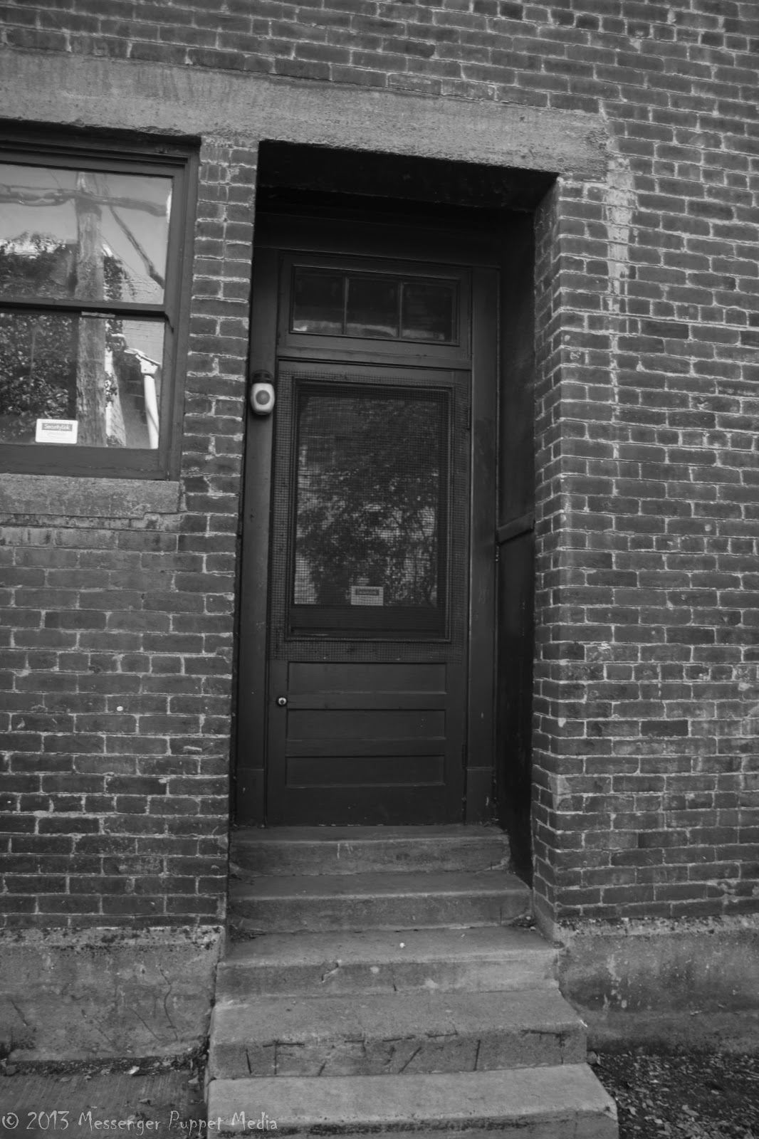 door alley