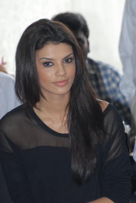 gabriela bertante actress pics