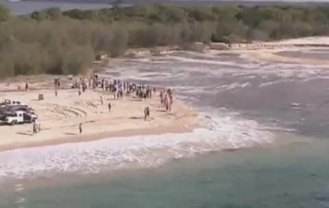increible-un-enorme-agujero-se-trago-playa-australia-queensland