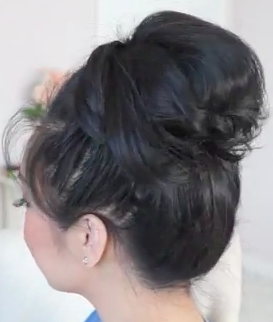 Easy and Fools Proof 1 Minute Messy Bun Tutorial!