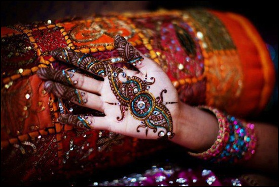 Glitter Mehandi Designs Images For Hands and Feet