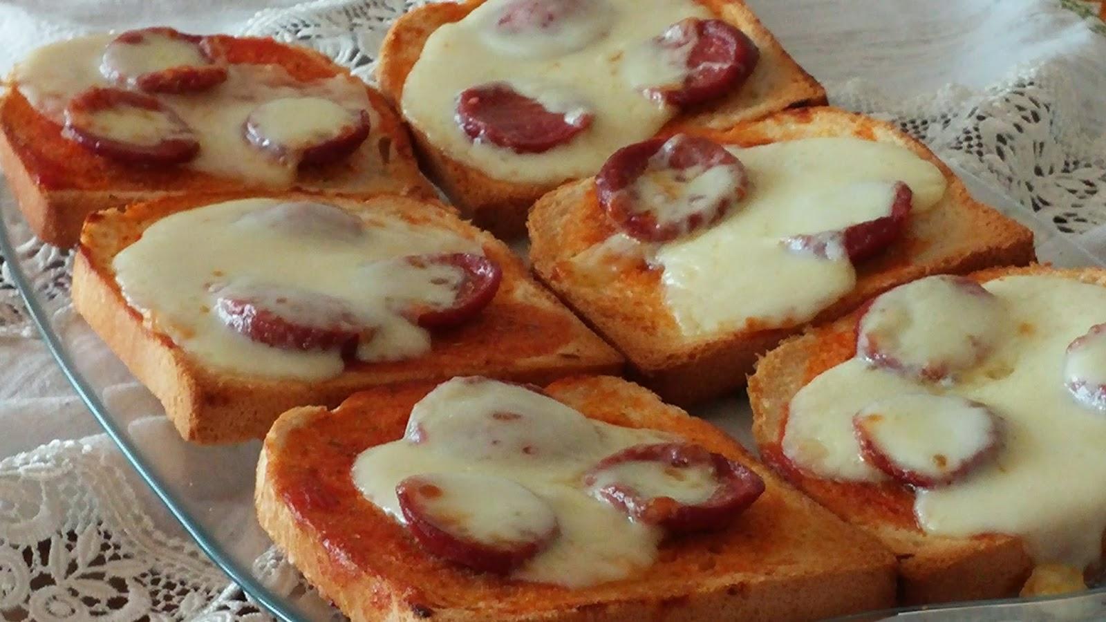 Fırında Kaşarlı Ekmekler