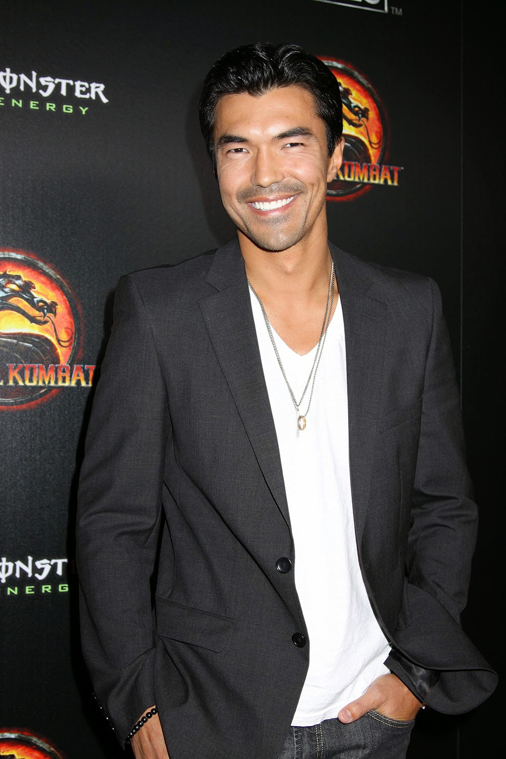 Japanese Actor Ian Anthony Dale New HD Photos