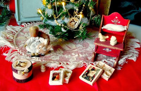 decori natalizi per case di bambola