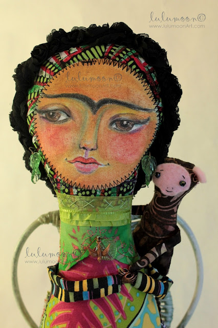 TropicalForest-FridaKahlo/OOAK-art-doll