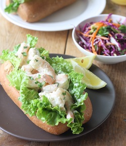 thai shrimp roll with kaffir lime mayo