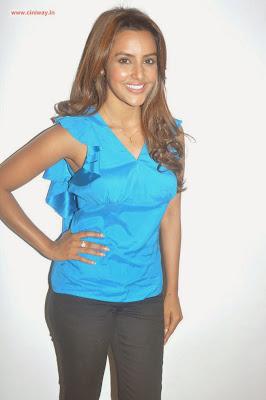 Ethir-Neechal-Actress-Priya-Anand-Stills-at-Success-Meet