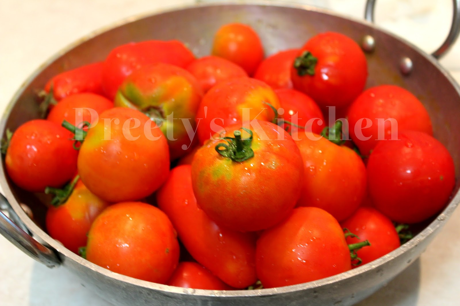 Watch How to Quickly Peel a Tomato video
