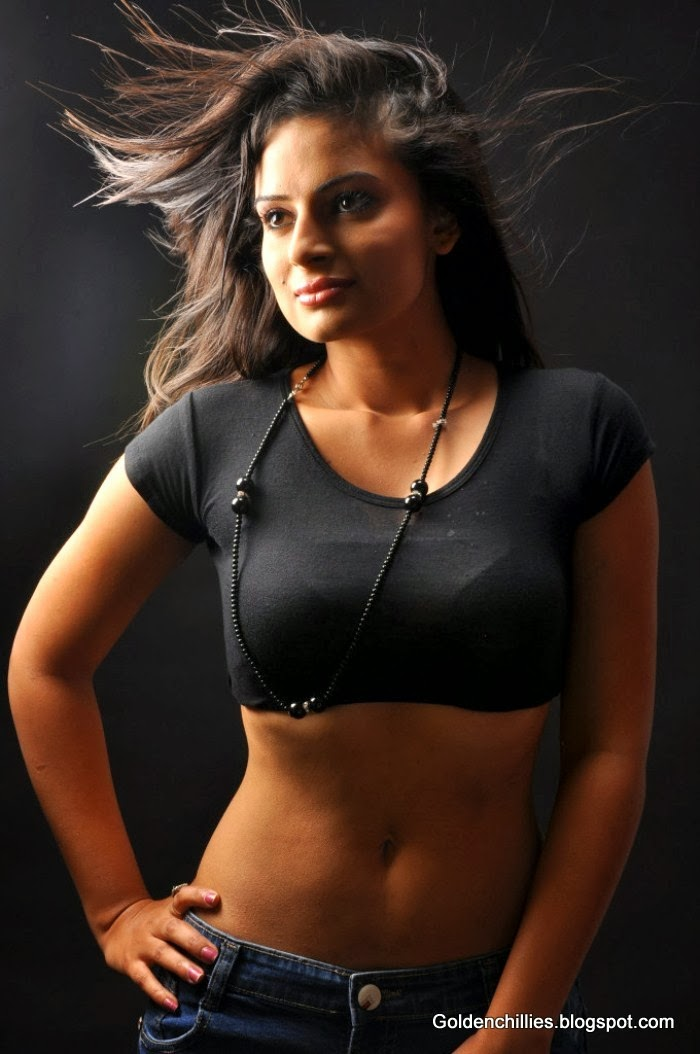 Anuhya reddy exposing in t shirt,