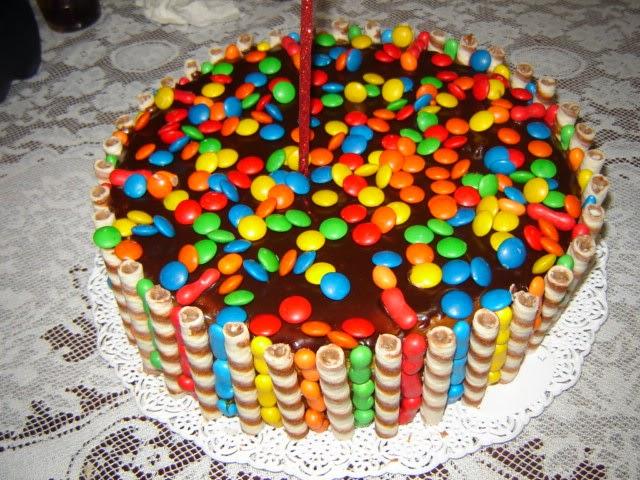 Tortas infantiles con golosinas de chocolate - Imagui