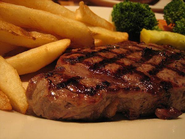 Steak Dari Kotoran Manusia