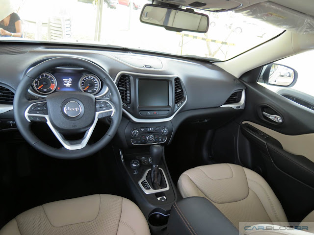 Jeep Cherokee 2015 Limited - interior - painel